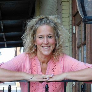 803 My Strength is My Story with Christy Taylor, Fighting Fat with Fearless Faith